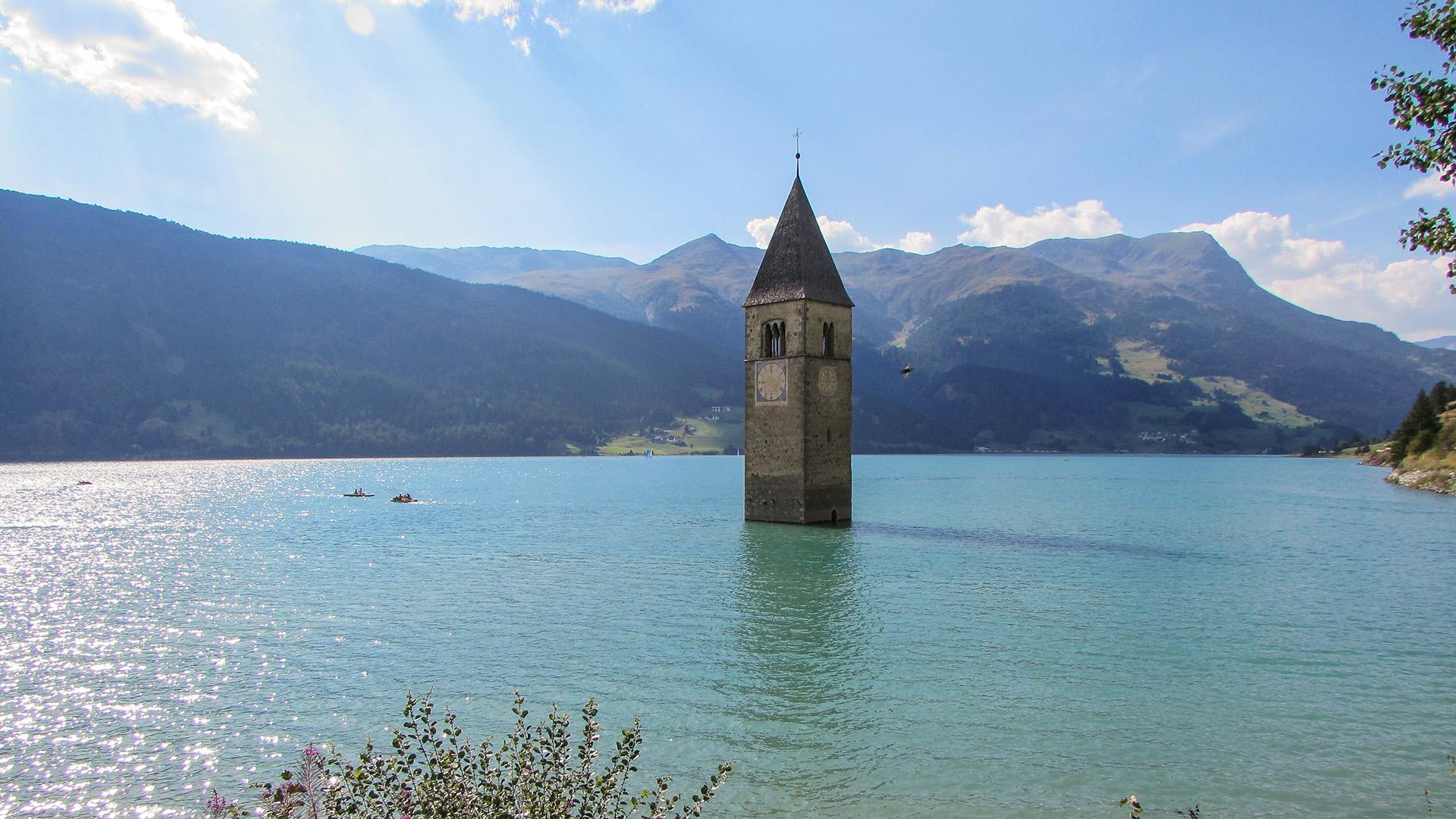 Lago_di_Resia_-_panorama_(21060362932)